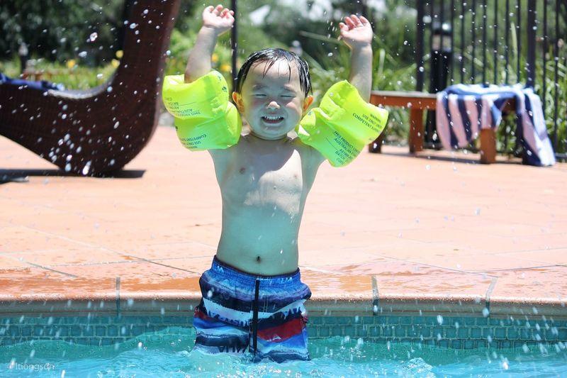 Eyes wide shut How's The Weather Today? Eye4photography  Kids Weekend Getaway Pool Splash Watersplash The Moment - 2015 EyeEm Awards Faces Of Summer