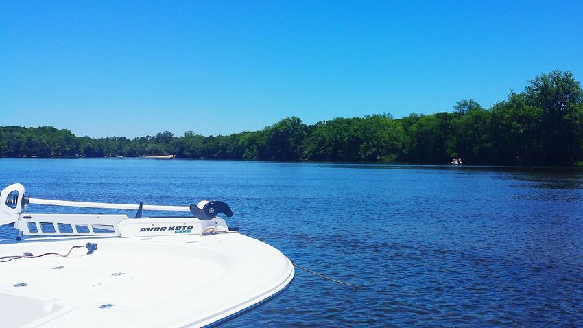 Nautical Vessel Water Tree Clear Sky Outdoors Nature No People Riverbank Suwanee River Clear Sky The Great Outdoors - 2017 EyeEm Awards Rural Scene Florida Skies Florida Miles Away Boating Scenics Beauty In Nature Landscape Live For The Story Go Higher