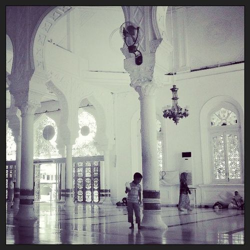 I saw that boy standing there... Baiturrahman Mosque Moment Instagood