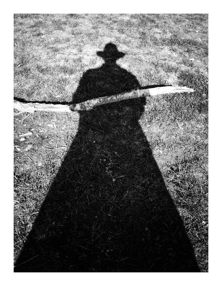 Porte-nuit Shadow Transfer Print Auto Post Production Filter Sunlight Nature Real People Day Focus On Shadow Silhouette One Person