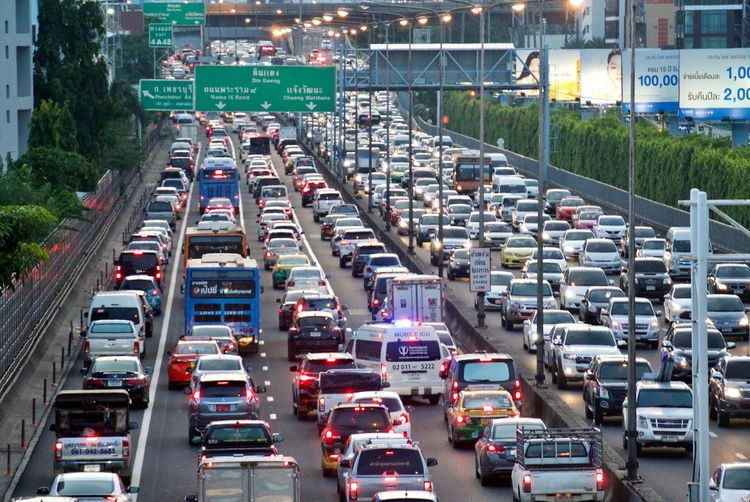 Architecture Car City City Life Cityscape Commuter High Angle View Highway In A Row Land Vehicle Light Mode Of Transportation Motion Motor Vehicle Multiple Lane Highway on the move Outdoors Road Street Traffic Traffic Jam Transportation Travel