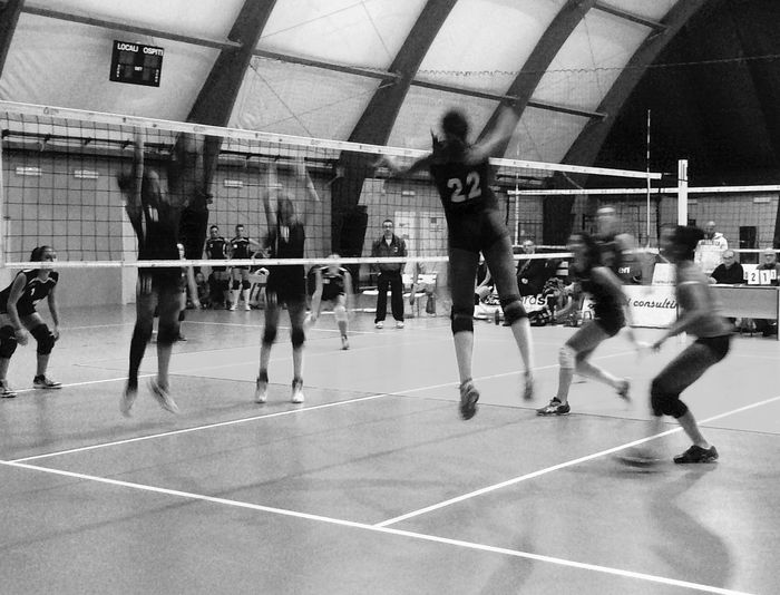 22 Photography In Motion Black & White Alternative Fitness Monochrome Capture The Moment Capturing Movement Fun .M. Move Hands At Work Moving Pallavolo Youth Of Today Rome Sport Sports Photography Team Volley Volleyball VolleyballIsLife Volleyball❤ Matchday Perfect Match Young Women