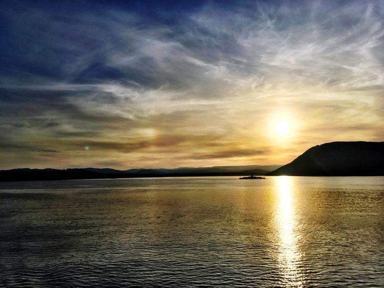 British Columbia Vancouverbc Canada Britishcolumbia Vancouver Clouds Blueskies Mountains Beauty Sunset Sky Sea