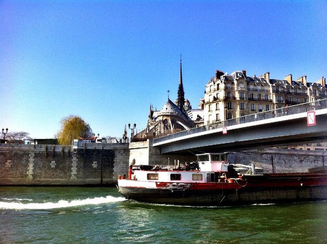 at Pont Saint-Louis