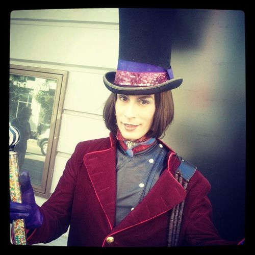 On my to Trader Joes, I got stopped by Willy Wonka. Hollywood INHollywood Sweet Chocolate