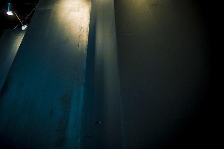 譬如一间铁屋,四壁并无门窗,要想将它打破,总要一点灯光。 light Indoors  Dark Wall Light Electric Lamp Abstract