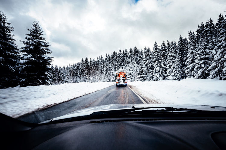 winterdienst Car Car Interior Car Point Of View Cloud - Sky Cold Temperature Dashboard Day Journey Land Vehicle Men Mode Of Transport Nature Road Road Trip Sky Snow The Way Forward Transportation Travel Tree Vehicle Interior Weather Windscreen Windshield Winter Shades Of Winter