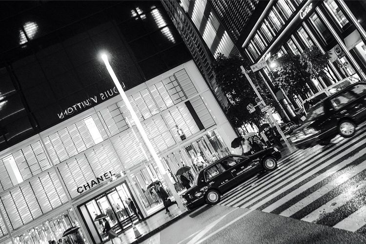 Ginza Central Street. City Street Raining Ginza Ginza Tokyo Japan Tokyo Tokyo,Japan Tokyo Street Photography City Street Transportation Architecture Mode Of Transportation Motor Vehicle Car Built Structure Building Exterior Crosswalk Sign