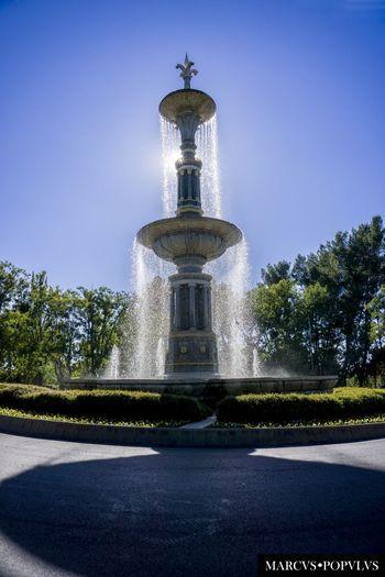 Título: Juan de Villanueva Autor: Marcus Populus Lugar: Parque del Oeste (Madrid) Cámara: SONY ILCE6000 Punto F: f/9 Tiempo de exposición: 1/320s Velocidad ISO: 100 Distancia focal: 16mm Architecture Day No People Sky Tree Water