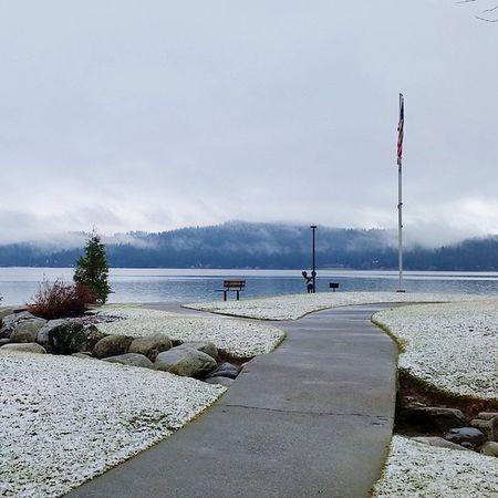 ChristmasEVe with a dusting of Snow LakeCoeurdalene Northwest Cda Enjoythelittlethings