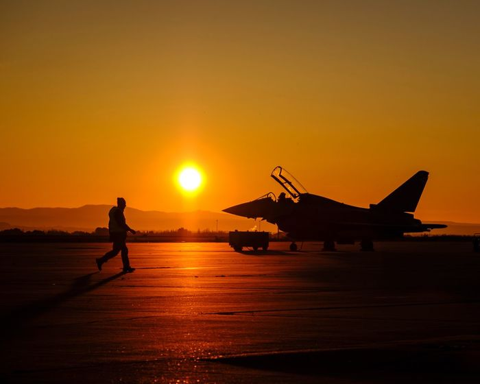 Eurofighter Avion Aircraft Eurofighter Eurofighter Typhoon Ejército Del Aire Sunset Fujifilm Fujifilm_xseries Xpro2 Spotted Spotting Aire Army Airplane Aircraft Wing Air Force Spanish Air Force Photography Photooftheday Photojournalism EyeEmNewHere