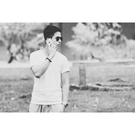 Calling the benefctor 🔫 Blackandwhite That's Me Hello World Photography Walking Around Summer Updiliman