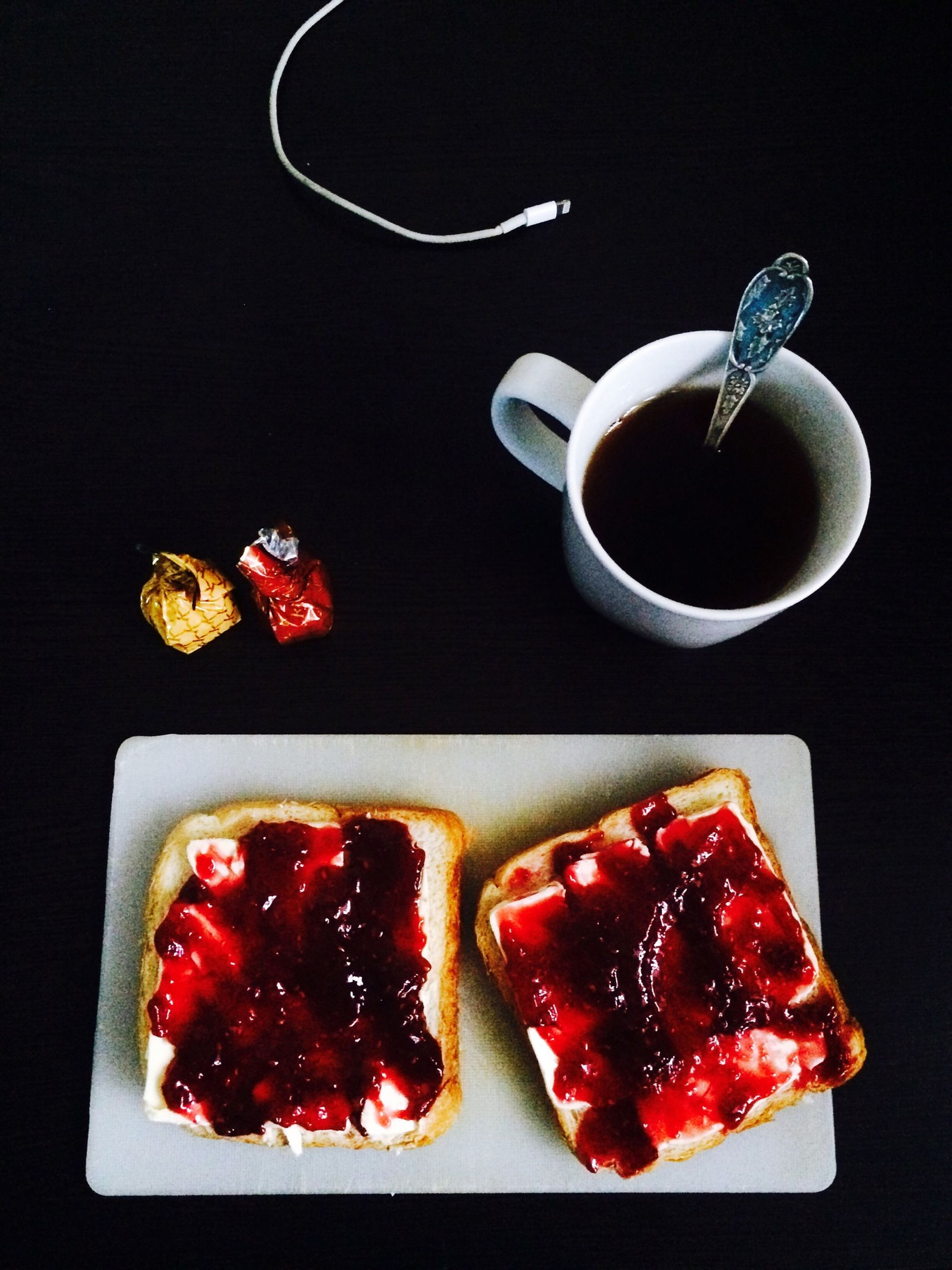 food and drink, food, freshness, still life, healthy eating, indoors, fruit, table, red, ready-to-eat, plate, strawberry, high angle view, studio shot, slice, directly above, breakfast, sweet food, indulgence, close-up