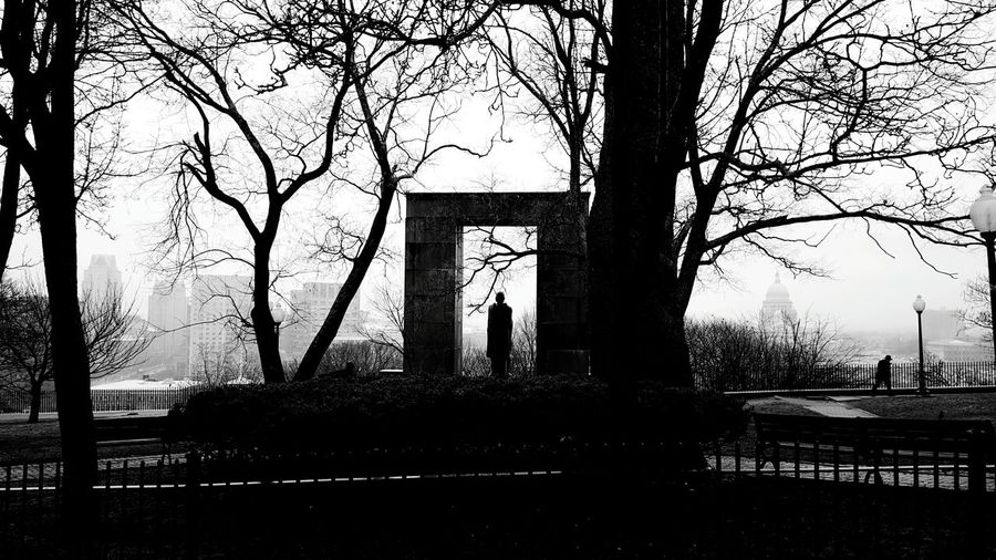 Rainy Day Photography Fog Providence Ri Overcast Weather ❤ Black & White Edit :)  Over Looking The City Prospect Terrace Park Lone Passerby Statue Of Roger Williams S6 Silence EyeEm Best Shots - Landscape EyeEm Best Shots - Black + White EyeEm EyeEm Gallery Frame It! Silhouettes
