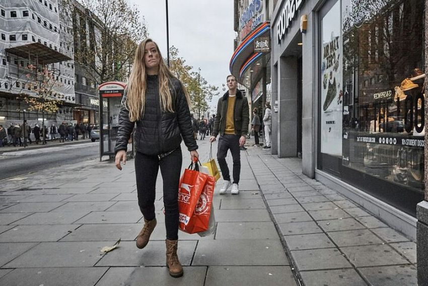 Long Hair Blond Hair City Street Outdoors London Streets Streetphoto Street Photo Fitzrovialitter LONDON❤ Candidshot Street Photography Streetphotography Walking Jeans Urban Girl Candid Photography London Calling Londononly Fashion Urban Life London London London!!! Street Retail  Londonstreets