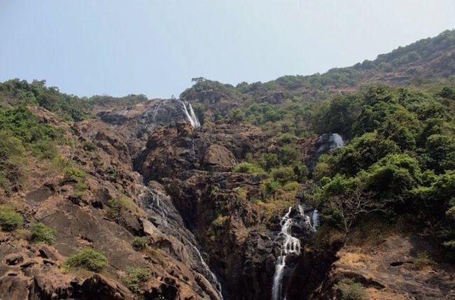 ~Dudhsagar Waterfalls~ While we were on our way to goa! Igers Canon Canon_photos Storiesofindia Igramming_india Instagram Instapic Goadiaries Throwback IGEarth