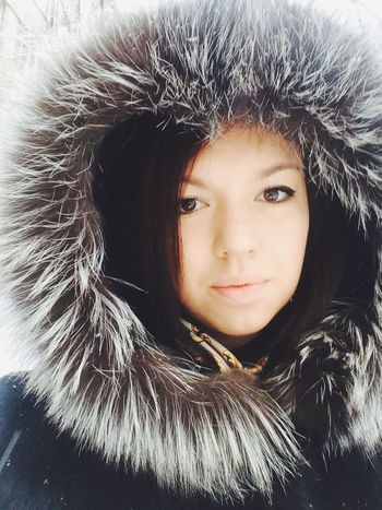 Winter came again in March ! ❄️⛄️☁️ Girl Face Snow Selfie Beauty Beautiful Selfportrait