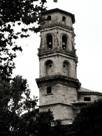 Sarah7790 Mallorca Glocke Kirche Schwarzweiß Palma De Mallorca Architecture Built Structure Tower Building Exterior Tree History Tall Sky Medieval Tall - High Outdoors The Past Day Bell Tower Local Landmark Famous Place No People Sant Nicolau The Great Outdoors - 2017 EyeEm Awards The Architect - 2017 EyeEm Awards
