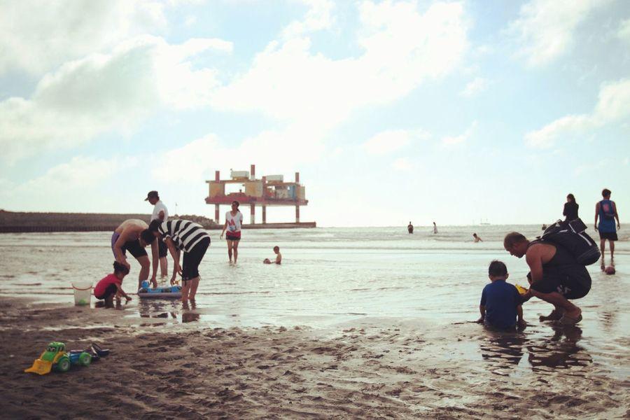夏天就是要去海邊,不然要幹嘛!? EyeEm - Taiwan Capturing Freedom Sound Of Life The View And The Spirit Of Taiwan 台灣景 台灣情 Landscape Enjoying Life Life Is A Beach EyeEm Taiwan Travel Beach