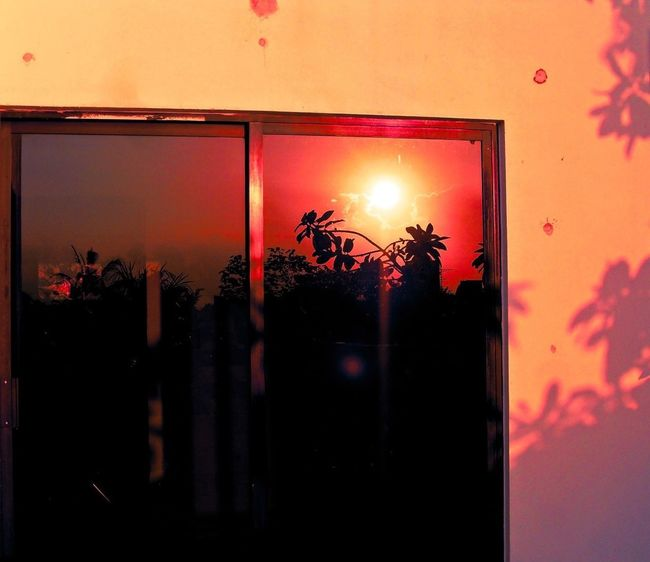 reflection... EyeEmNewHere EyeEm Best Shots EyeEm Nature Lover Sunset Shadow Black Red Reflection Window Door Crystal Black And Red Blackandred Black&Red No People Illuminated Night Sky