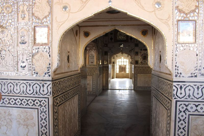 Interior detail at Amer Fort Architecture Arch Built Structure Building History The Past Indoors  Pattern Art And Craft Arcade Design No People Corridor Travel Destinations Ornate