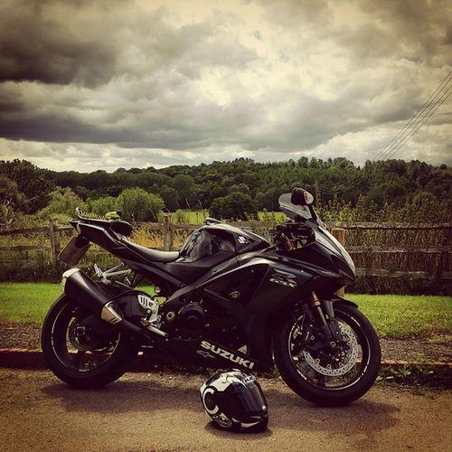 Lonley Motocycle Bikersnetwotk Bikeswithoutlimits Instamotogallery Bikelife Gopro Instagood Moto_wikki Suzuki GSXR1000 Gsxr