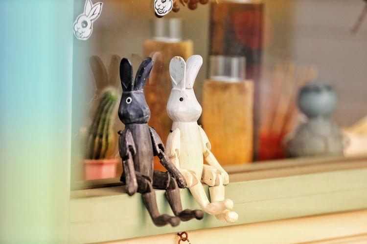 여행이란 매번 언제나 설례임 가득한 상상 . . #하루한컷 #윤식당인형 #도쿄 #5DMARK4 #새아빠백통 #EF70200F28LIIISUSM City Easter Figurine  Close-up