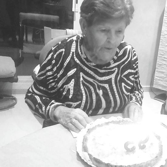 De Rafaela ... que dicen que ya no ve y lo que pasa es que ve mas allá. 95cumpleaños Casinada Amordeyaya