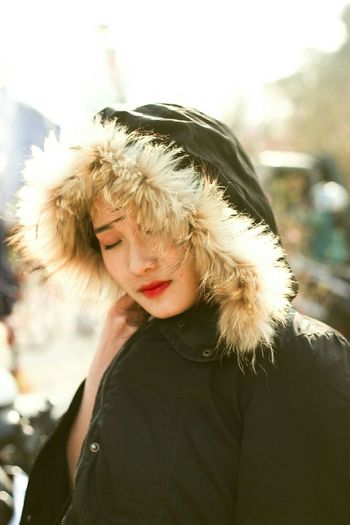 Warm Clothing Blond Hair Young Women Portrait Beautiful Woman Beauty Winter Cold Temperature Beautiful People Fur Coat