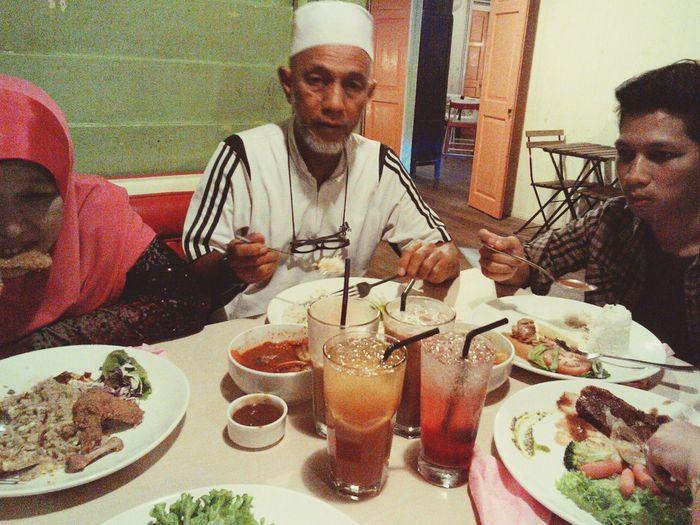 Mealtime Karat Oldisgold Somewhereinipoh Love My Family ❤ Delicious Food Vintagecafe
