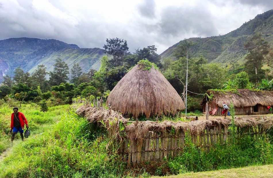 Honai, the traditional house of Papua Papua Papua Indonesia  Honai House Traditional Wamenapapua Baliemvalley Landscape Beauty In Nature Explorepapua Wonderful Indonesia Architecture Landscape_photography Travel Destinations Indonesia_photography Photography Takenbyme Lost In The Landscape
