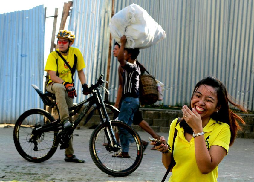 Eyeem Philippines Juxtaposition Leisure Activity Lifestyles Perfect Match Real People Showcase: November Smile Yellow