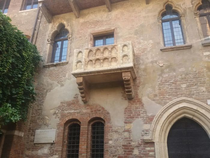 Juliet's balkony in Verona Italy Romanticview Romeo And Juliet Lovely Place Lovelyview From My Point Of View