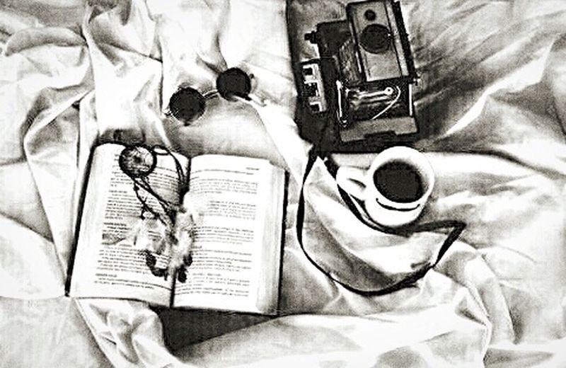 Camera Book Coffee ☕ Sunglasses White&black⚪⚫