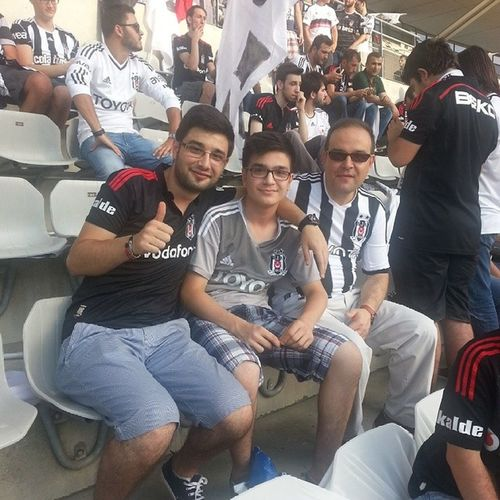 Beşiktaş - Feyenoord Maç Öncesi ☺ BJK çarsı Smile Family feyenoord instamood instamessage like fallow besiktas