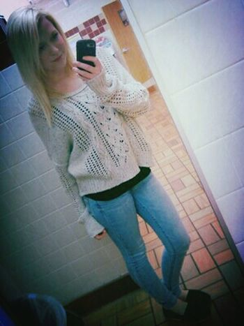 Skinny Jeans Toms <3 Sweater Weather :)
