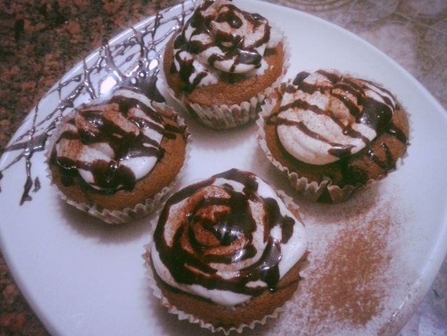 my CupCakez ^^ Cupcakes Yummy :) Byme in Azzawya #Libya