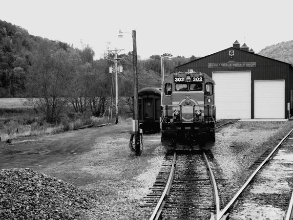 Loco 302 Transportation Mode Of Transport Journey Mountain Railway Signal The Way Forward Sky Oil Industry