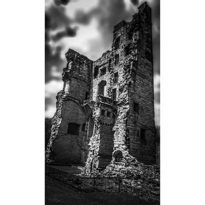 Castles Bw_society Bw_life Fiftyshadesof_history Gloomgrabber Rsa_bnw Capturingbritain_bnw Historic Englishheritage Bnw_diamond 86d Icu_britain_bw Kings_abandoned