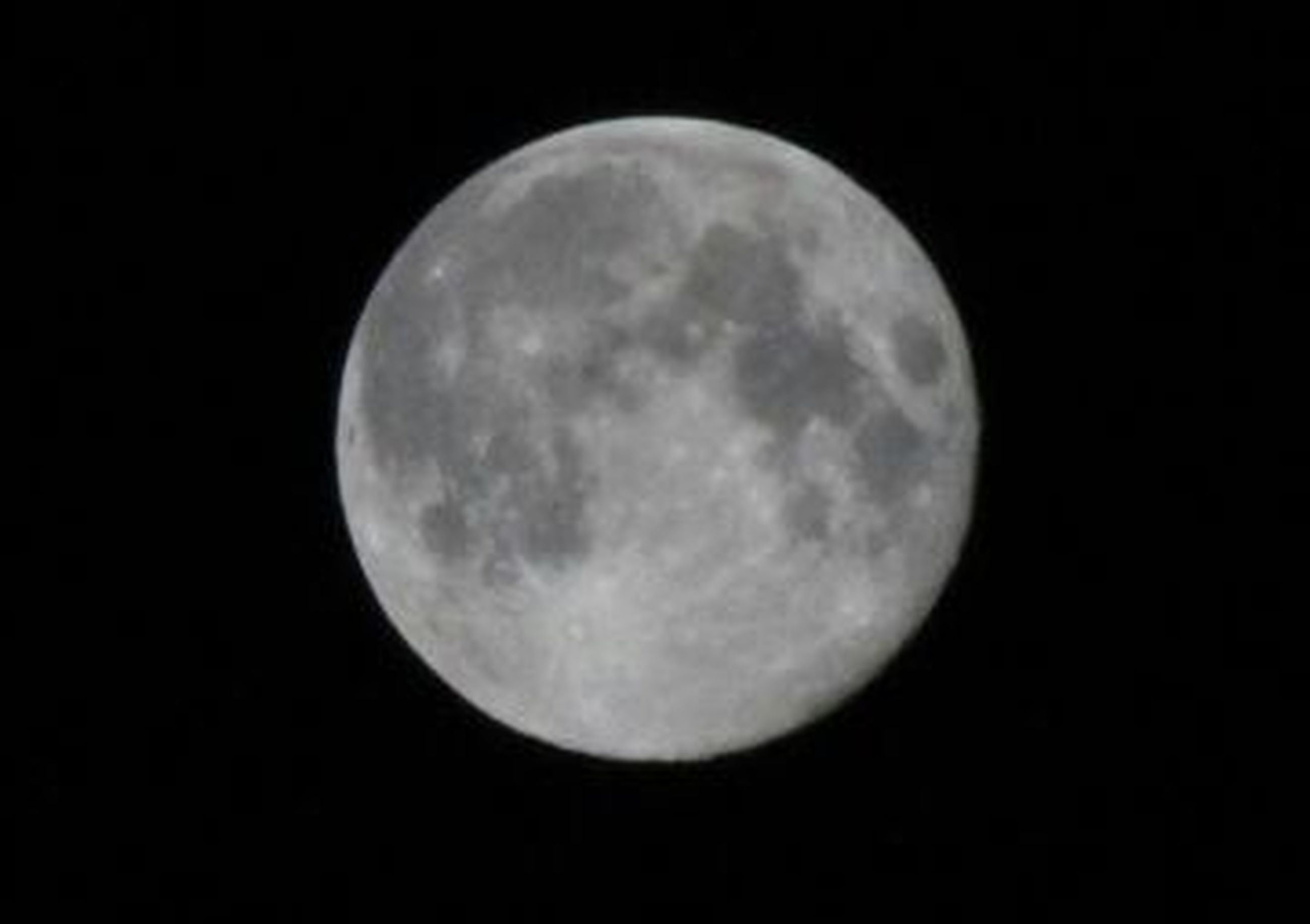 moon, astronomy, planetary moon, full moon, night, moon surface, discovery, beauty in nature, space exploration, tranquil scene, circle, scenics, tranquility, sphere, nature, low angle view, majestic, sky, dark, exploration