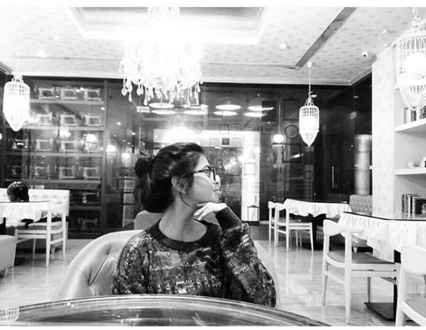 When your sis is like.... take a good snap of mine, if u CAN.... Challenge accepted... pretty awesome... Right? Blackandwhite Asuszenfone2 Mobilephotography Instapicoftheday Sister LSD Pune Punememories Hdrblackandwhite Photography