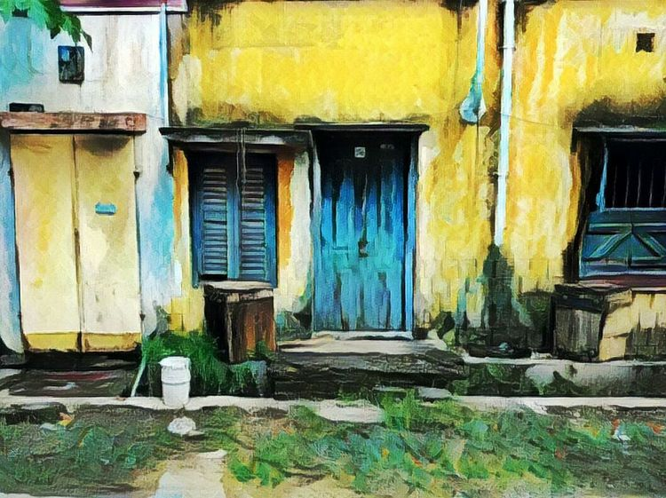 Lonely Household Built Structure Architecture Building Exterior House Door Residential Structure Residential Building Abandoned Closed Deterioration Day Façade Weathered Damaged No People Obsolete Entrance City Outdoors Painting Art Footpath Painting With Light Low Section Painting With A Camera Popular Photos