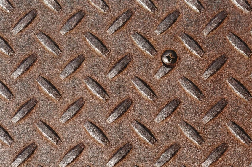 steel slip plate Steel Pattern, Texture, Shape And Form Industrial Backgrounds Full Frame Seamless Pattern Pattern Textured  Brown Close-up Sheet Metal Corrugated Iron Diamond Shaped Metal Repetition Rusty Brushed Metal Crisscross Iron - Metal