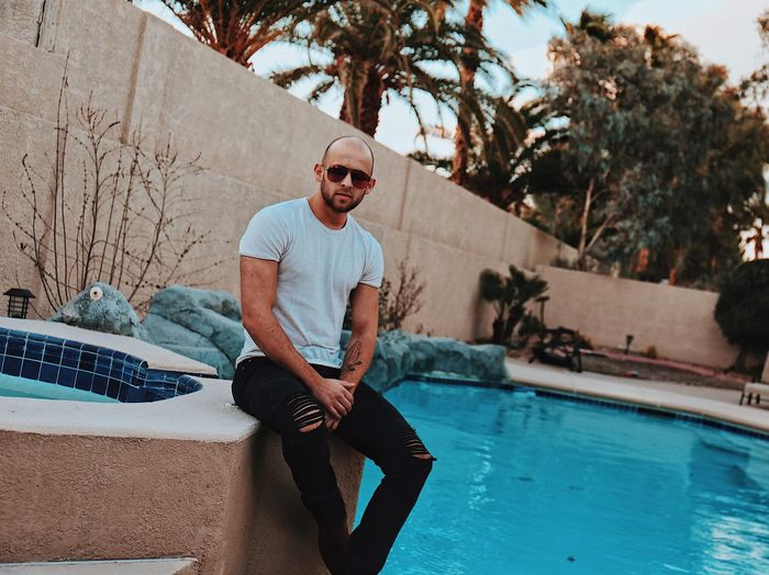 Pooltime 😎 Pool Time America USA Nevada Las Vegas Swimming Pool Pool One Person Glasses Sunglasses Young Adult Water Young Men Lifestyles Fashion Poolside Outdoors