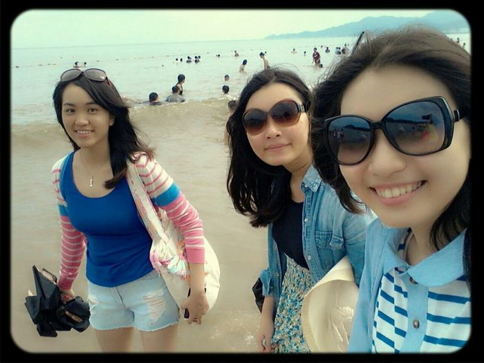Enjoying Lifewith my best friends. ♥♥♥
