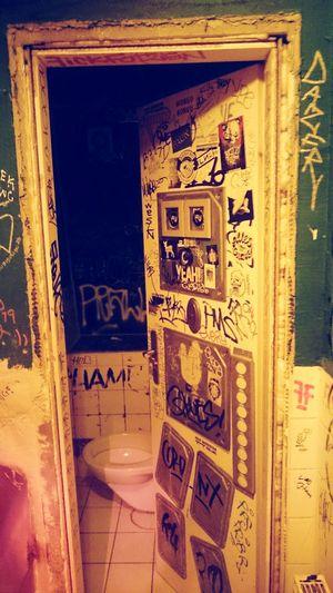 Berlin Bar Club Toilet Toilette Toilette Art Art Schick Tags Welcometoberlin Warschauer Straße Beautifulberlin ;)