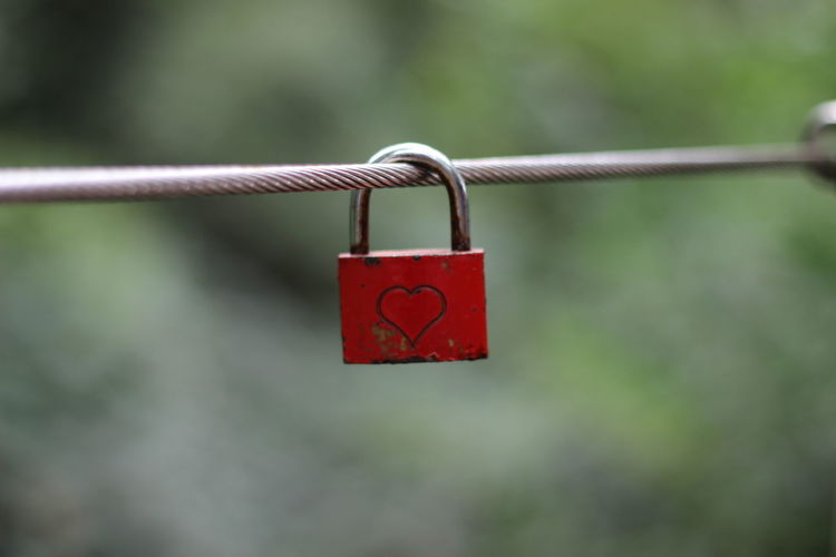 Chain Close-up Day Focus On Foreground Lock Love Metal Metallic No People Protection Red Selective Focus