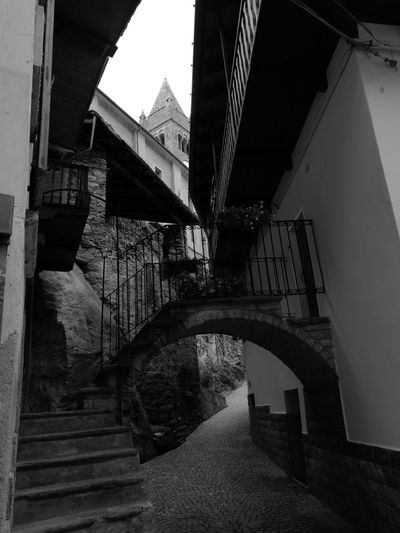 Biancoenero Bianco E Nero Italy Arvier val d'Aosta Aosta Valley Borgo Antico HuaweiP9