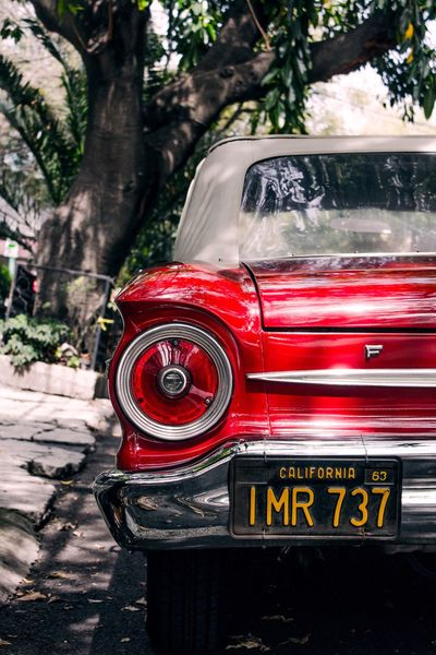 Ford en La Roma. Profundity High Contrast Red Color Cars Ford Car First Eyeem Photo