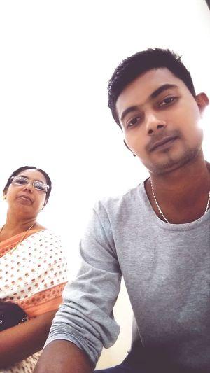 Selfi with my mom